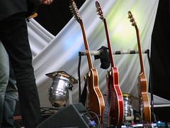 'five o'clock acoustic'-Konzert - Bröselmaschine (borntobewild1946) Tags: bröselmaschine broeselmaschine krautrock everythingoldisnewagain band stellatonon peterbursch tomplötzer detlefwiederhöft michaeldommers mannivonbohr fiveoclockacoustickonzert concert moenchengladbach niederrhein nrw nordrheinwestfalen copyrightbyberndloosborntobewild1946 bröselmaschinebandausduisburg theshadowsausdemruhrgebiet fiveoclockacoustic bröselmaschineband musiker musician musicians musikveranstaltung konzert onstage aufderbühne