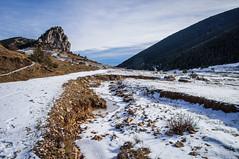 Inevitable mirar atrás (SantiMB.Photos) Tags: 2blog 2tumblr 2ig nieve snow peguera fígols berguedà otoño autumn 500px geo:lat=4216084398 geo:lon=176647476 geotagged pampe cataluna españa esp