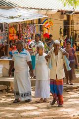 polonnaruwa temple (Vincent Vercamst) Tags: asia srilanka nikon nikond750 peopel life dailylife