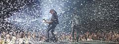 Scorpions (Andreas Gugau) Tags: stuttgart badenwürttemberg deutschland de rock konzert live schleyerhalle scorpions klaus meine matthias jabs konfetti