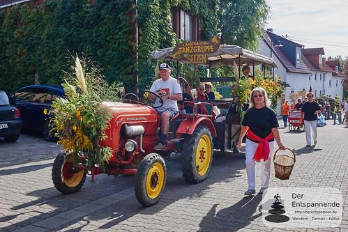 Landfrauen-Tanzgruppe Selzen - am Steuer: Ein Mann :-)