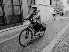 P1130247 (gpaolini50) Tags: bicycles bw biancoenero bianconero blackandwhite photoaday photography photographis photographic phothograpia portrait pretesti photoday people photo emotive esplora explore explored emozioni explora emotion e