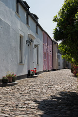IMG_3994_edited-1 (Lofty1965) Tags: boscastle cornwall cobbles streat village white cottage