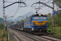 251 (firedmanager) Tags: renfe renfeoperadora railtransport renfemercancías tren train trena mitsubishi 251 mercancías ferrocarril freighttrain