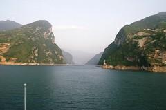 Xiling Gorge (hugh llewelyn) Tags: yangtzeriver xilinggorge
