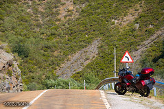 Picos de Europa (DOCESMAN) Tags: moto bike motorcycle carretera road honda nt700v deauville