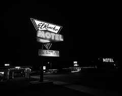 024693763694-103-Motel El Rancho Ely Nevada-2-Black and White (Jim There's things half in shadow and in light) Tags: 2018 america august ely nevaada night southwest usa building downtown lights neon blackandwhite motel