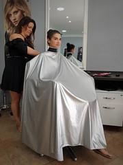 (capemaster.14) Tags: beimfriseur chezlecoiffeur friseurumhang neckstrip saloncape umhang cape