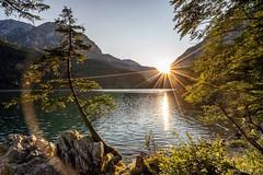 Sony 16-35mm hates the Sun (Wim Air) Tags: sundown wimairat leopoldsteiner see lake austria alps europe