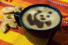 Nhami *.* (Steh Monteiro) Tags: coffee café cappuccino decorado decoration decorated drink hot panda animal cute bebida quente cinamon cookies snack rosquinhas lanche colorful colorido tasty saboroso cremoso creamy nikon d3300 xícara cup black desenho drawing