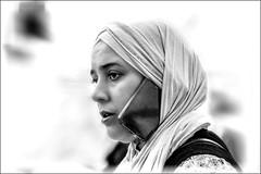 Téléphone mains libres / Hands-free phone (vedebe) Tags: portraits portrait tel téléphone humain human femme noiretblanc netb nb bw monochrome société