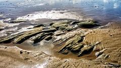 Texturas de arena y roca (moligardf) Tags: arena roca playa el palmar de vejer reflejos textura