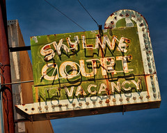 A Day in Court (Olden Bald) Tags: colorado motel hotel neon sign small city town green bulbs overnight room vacancy