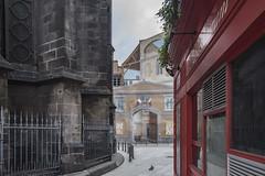 Trompe l'oeil. (Renato Pizzutti) Tags: francia clermontferrand trompel0eil strada edifici chiesa disegno nikond750 renatopizzutti