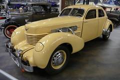 US car Cord 812 1937 (roli_b) Tags: us car cars cord 812 cord812 1937 auto vintage oldie oldtimer coche 170 ps technik museum sinsheim germany 2018 display colour cigarette lemon farbe creme gelb cream