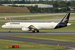 Lufthansa Airbus A321-231 D-AISP BHX 12/09/18 (bhx_flights) Tags: lufthansa airbus airbusa321 airbus321 airport runway takeoff bhx egbb birmingham birminghamairport