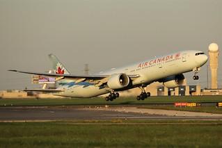 Air Canada C-FIVM