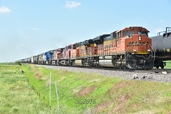 Approaching Mendota IL. (Machme92) Tags: bnsf burligrton bn ge emd railroad railfanning railroads railfans rails rail row railroading railfan trains