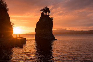 Sea Stack Sunset 🌅 Vancouver, BC