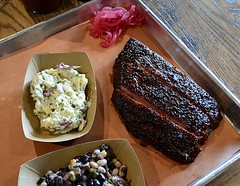 Ribs and Sides at ZZQ (pjpink) Tags: zzq bbq barbecue barbeque scottsaddition rva richmond virginia august 2018 summer pjpink 2catswithcameras