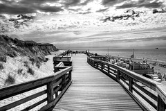 A nice day on the beach in Sylt, Germany (FSR Photography) Tags: 2018 de fujifilmxt2 sylt monochrom bnw vignette kontrast licht gebäude fujifilm light bw beach travel august blackandwhite einfarbig strand photoshop dramatic lichter blackwhite lightroom nordsee schwarzweiss clouds meer fsrphotography reise menschen sw list flickr whiteblack deutschland travelling summer contrast outdoor monochrome himmel reisefotographie schwarz fuji sky xt2 black fsr wolken nik