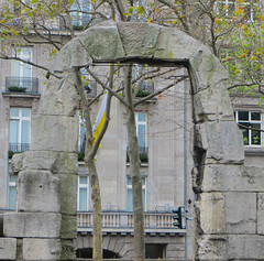 Roman ruins in Cologne (jimsawthat) Tags: urban cologne germany romanruins