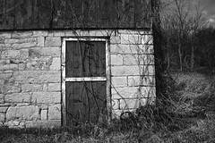 Barn Door Small (Modkuse) Tags: building rural barn bw blackandwhite monochrome outdoors nikon nikonn90s tokina tokinaaf2870mmf2628 fujifilm