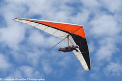 Hang Gliding at Fort Funston (Douglas Bawden Photography) Tags: hanggliding douglasbawdenphotography sanfrancisco california aviation canonprofessional pacificcoast teamcanon canonusa bluesky fortfunston