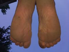 Descalzo, Plantas de los pies con barro (VIVE DESCALZO) Tags: descalzo barefoot barefooter barfus