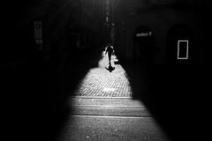 /i\ (maekke) Tags: zürich morning highcontrast silhouette man fujifilm x100t shadow shadows shadowplay negativespace bw noiretblanc ch switzerland 2018 streetphotography