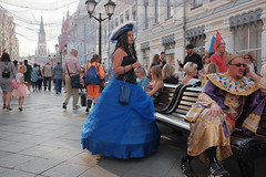 the king and queen (streetphotodog) Tags: street colour color city streetphotography colourstreetphotography fujifilmx70 x70 moscow russia king queen