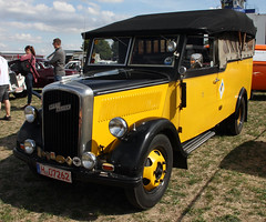 Blitz personnel carrier (Schwanzus_Longus) Tags: technorama hildesheim german germany old classic vintage vehicle police personnel carrier opel blitz