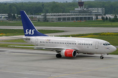 LN-RPU, Zurich, May 16th 2004 (Southsea_Matt) Tags: lnrou scandinavianairlines staralliance boeing 737683 zurich kloten lszh zrh switzerland canon 10d may 2004 spring airplane aeroplane jetplane jet jetliner airliner aviation plane transport ragnaviking