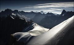 Los Alpes (Vista desde la Aiguille du Midi) (Jesús Gabán) Tags: alpes aiguilledumidi jesusgaban alps mountains montañas chamonix montblanc francia france
