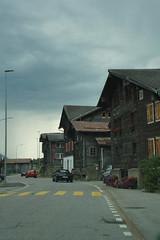 Typisch Zwitserse huizen. (limburgs_heksje) Tags: zwitserland schweiz swiss berner oberland bergen bergmeren grimsell pass