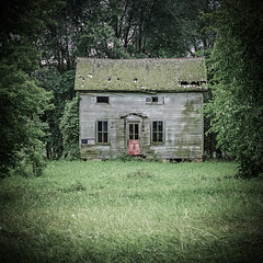 Old Wisconsin Farmhouse With A Red Door (Mike Schaffner) Tags: abandoned decay decayed derelict deserted dilapidated farmhouse home house old oncewashome reddoor ruins reeseville wisconsin unitedstates us