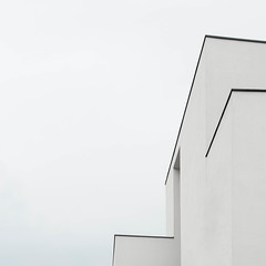 White building, White Sky (Erik Schepers) Tags: maastricht nederland netherlands dutch minimal minimalism architecture building windows limburg studio architect