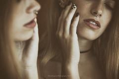 Mirror (Graella) Tags: mirror espejo portrait retrato people gente hands manos manicura labios rostro lips face reflejo 52anonimos 52semanas manicure