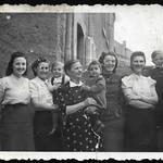 Archiv P795 Familienfoto, Ostern 1943 thumbnail