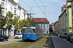 P-Zug 2005/3005 erreicht auf der Fahrt nach Grünwald den Rosenheimer Platz (Bild: Andy Paula) (Frederik Buchleitner) Tags: 2005 3005 linie25 munich münchen pwagen strasenbahn streetcar tram trambahn