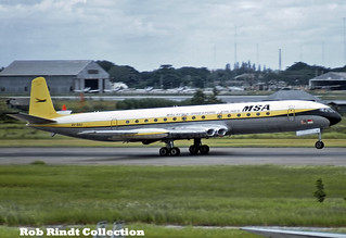 Malaysia-Singapore Airlines Comet 4 9V-BAU