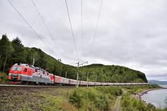 002Щ «Россия» + 020Щ«Восток» (akifumiふぐ) Tags: rzd эп1п locomotive baikal slyudyanka vostok russia rossia ロシア号 ヴォストーク号