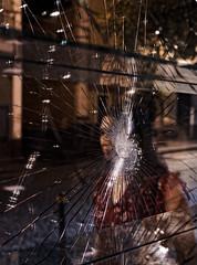 Broken (Giovamilo_90) Tags: street streetph streetphotography streetphoto streetview streetphotographer girl broken rotto night