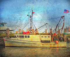 The Glutton, MacMillan Wharf, Provincetown, MA 2018 (augenbrauns) Tags: distressedfx capecod creativecapecod dock artistryflair painterly ptown provincetownma macmillanwharf wharf boat
