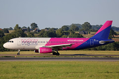 HA-LWJ Airbus A320-232 Wizz Air Luton 27th August 2017 (michael_hibbins) Tags: halwj airbus a320232 wizz air luton 27th august 2017 ha hungary hungarian europe aircraft aviation aeroplane aerospace airplane aero airport airports airliner airline commercial civil passanger passenger