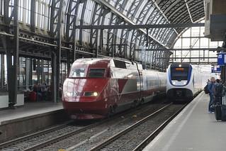 TGV 4534 en NS sprinter in Amsterdam CS 25-08-2018