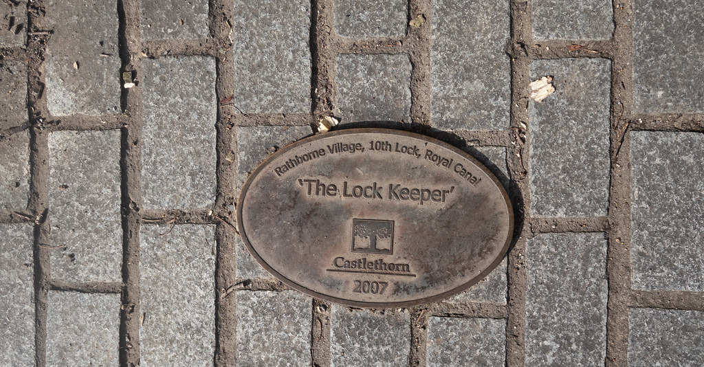 THE LOCK KEEPER [RATHBORNE VILLAGE AT THE 10TH LOCK ON THE ROYAL CANAL]-143970