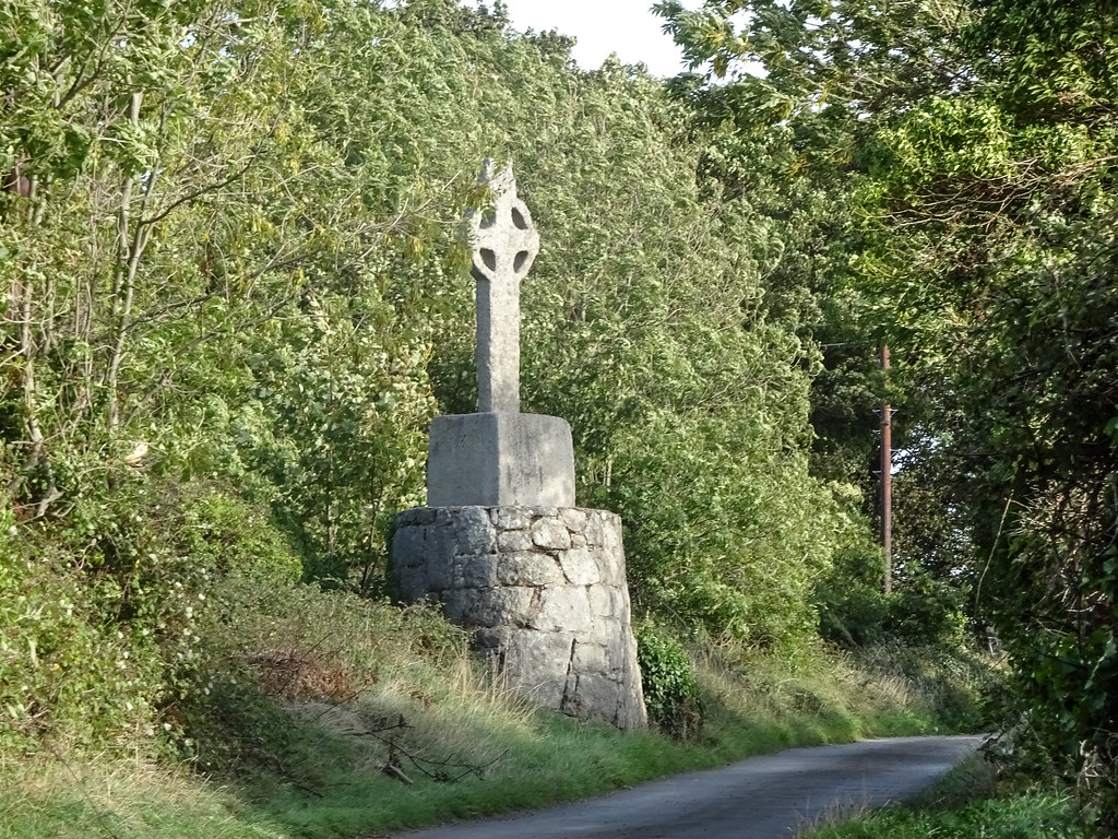 THIS IS THE NEWER HIGH CROSS NEAR TULLY CHURCH [IT IS AT THE SIDE OF A NARROW ROAD OR LANEWAY]-144121