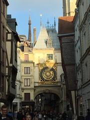 La Grosse Orloge (schreibtnix on 'n off) Tags: reisen travelling frankreich france normandie stadt town rouen tor gate uhr clock lagrosseorloge appleiphone6plus schreibtnix