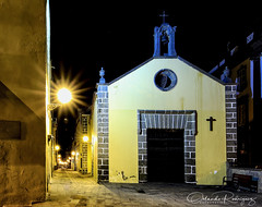 Listening (Instagram: orlan_rs) Tags: iglesia cruch nocturnas nighphotography